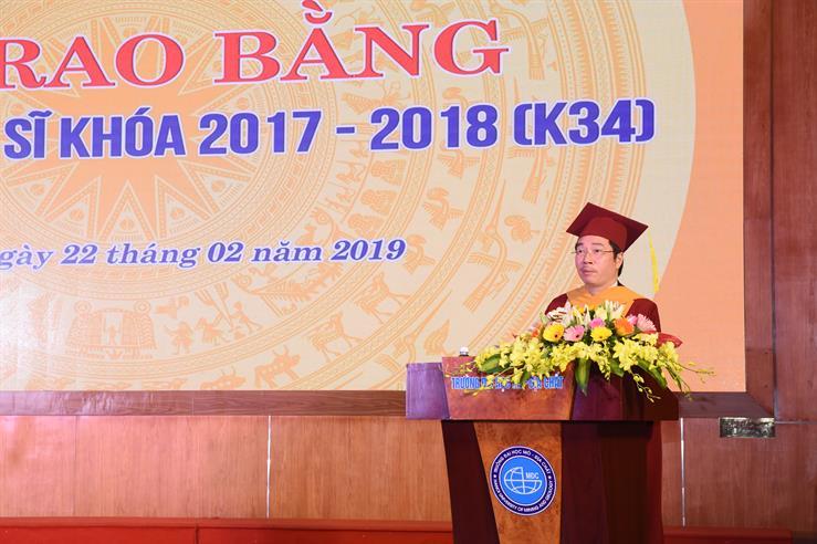 Lễ trao bằng Tiến sĩ, Thạc sĩ K34 (2017- 2018)