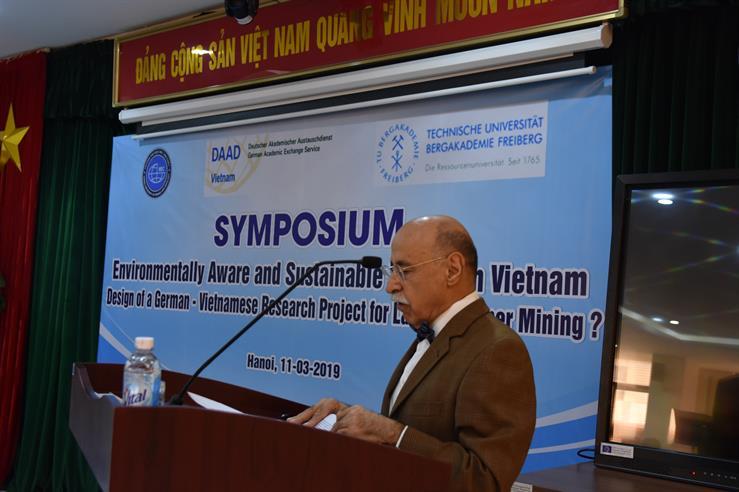 """Hội thảo """"Nhận thức về môi trường và khai thác bền vững ở Việt Nam"""